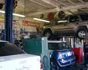 Playa West Automotive garage image